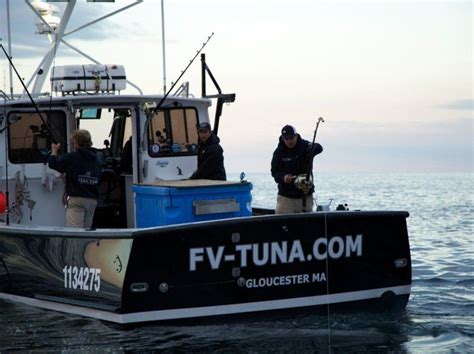 boat sinks on wicked tuna beverly s marciano embarks on 5th season of wicked tuna