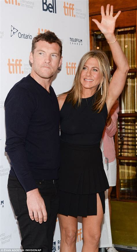 sam worthington y su esposa sam worthington says being an actor means he can kiss