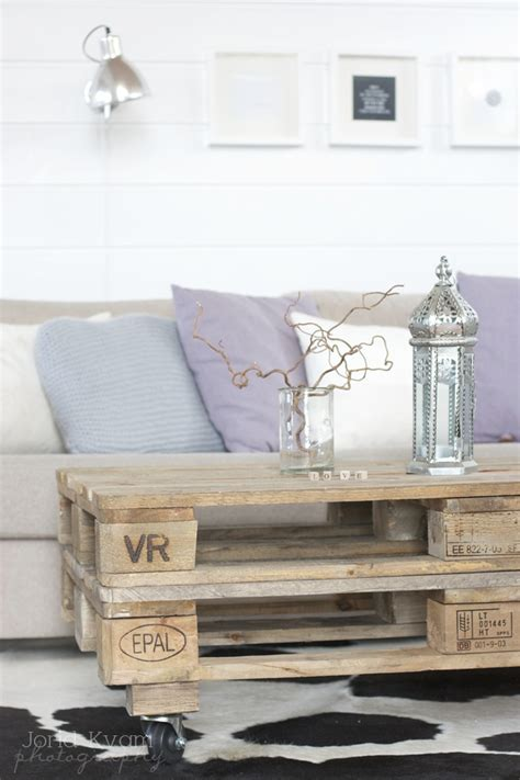 Shipping Pallet Coffee Table 33 Best Images About Dise 241 O On Pinterest Yurts Shipping Containers And Kit Homes