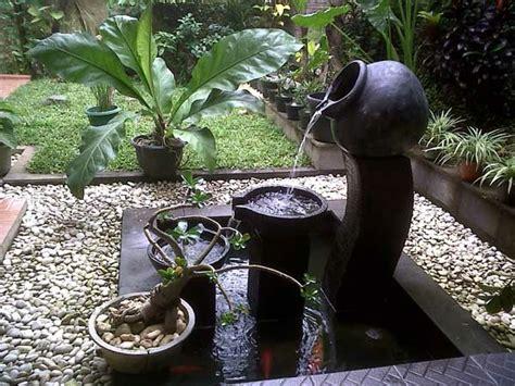 pot jardin design une fontaine de jardin design quelques id 233 es en photos fascinantes archzine fr