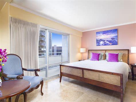3 bedroom condo waikiki beach beautifully remodeled 2 bedroom waikiki condo sleeps 6