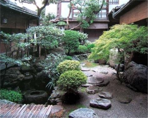 calm japanese inspired courtyard ideas digsdigs
