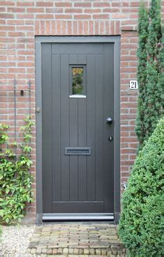 door accent colors for greenish gray 1000 ideas about brick homes on brick homes brick houses and brick houses