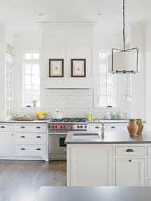 Latest Trends In Kitchen Backsplashes Chic White Kitchens For 2014