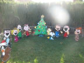 Snoopy Christmas Decorations For Outdoors Christmas 2006 Outdoor Decorations