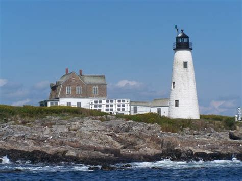 Wood Island Light Your Ultimate Maine Lighthouse Road Trip Guide