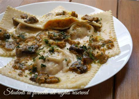 come fare i ravioli in casa ravioli di zucca e funghi porcini fatti in casa ricetta