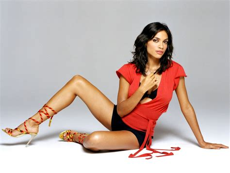actress rosario dawson hottest woman 4 11 15 rosario dawson daredevil king