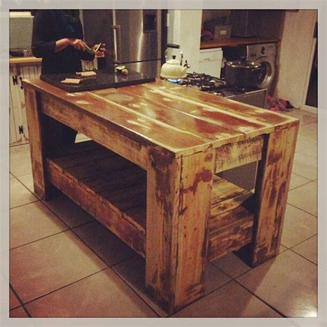 lovely rustic kitchen island