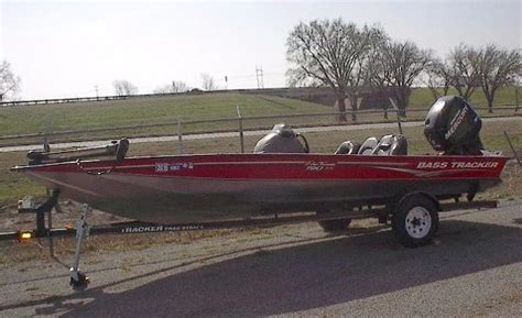 used bass boats for sale in dfw area used aluminum fish tracker boats for sale 2 boats