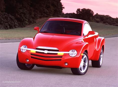 how make cars 2003 chevrolet ssr head up display chevrolet ssr specs 2003 2004 2005 2006 autoevolution