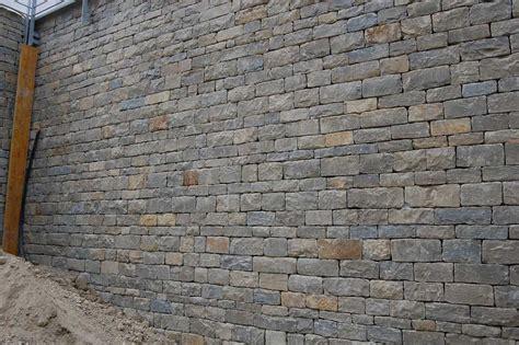 muro in pietra interno murature in pietra di langa muri in pietre di langa