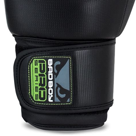 Bad Boy Pro Series 30 Thai Style Glove Blackblue bad boy pro series 3 0 thai gloves green eshop budo
