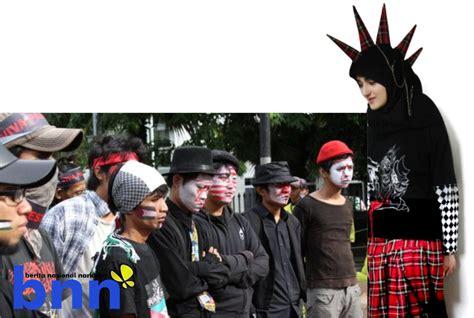Kaos Kata Kata Bukan Penikmat berita nasional narkoba dakwah menerobos kehidupan punkers
