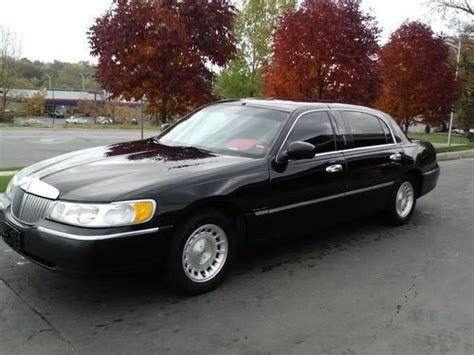 car owners manuals for sale 2002 lincoln town car electronic valve timing sell used 2002 lincoln town car executive l series black on black in mission kansas united