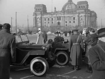 bureau d 騁ude batiment fronti 232 re entre secteurs berlin allemagne 1950 1955