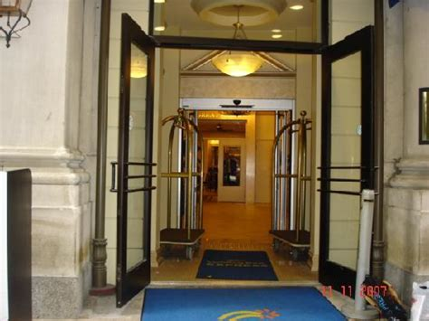 comfort inn new orleans east foyer picture of holiday inn express new orleans east