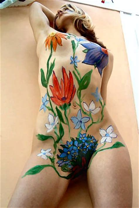 Home Design Show Miami 2016 by Female Body Painting Women S Flower On Body Painting
