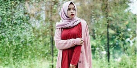 Joyagh Boomber inspirasi padupadan midi dress untuk hijaber co id