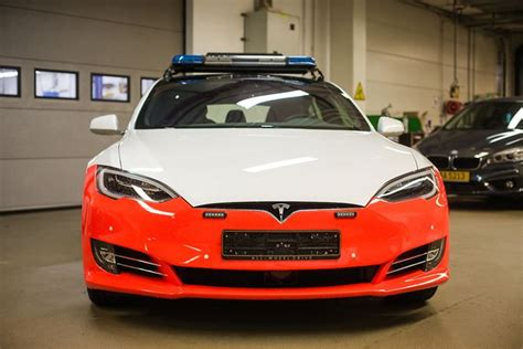 Lu Emergency Tesla tesla model s cars delayed in hitting the road in luxembourg