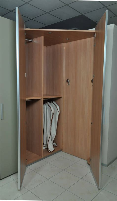 armadio angolare con cabina armadio angolare con cabina poletti laccato opaco e vetro