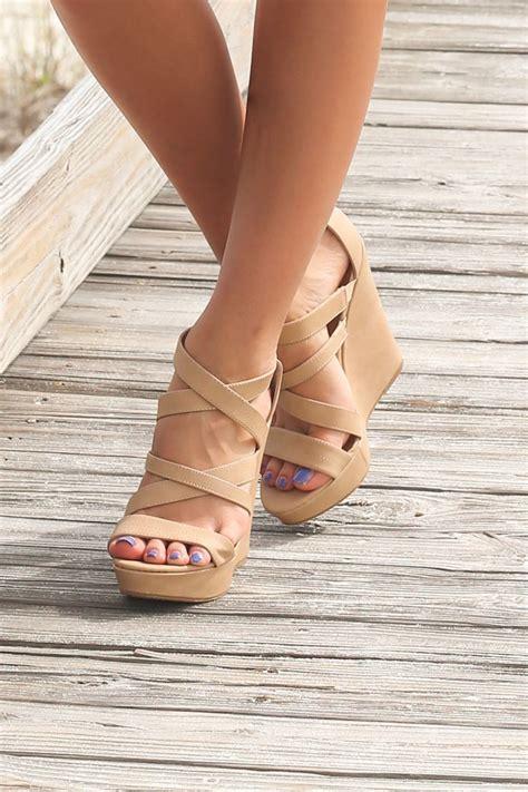 wedges sandals best 25 wedges ideas on wedge heels