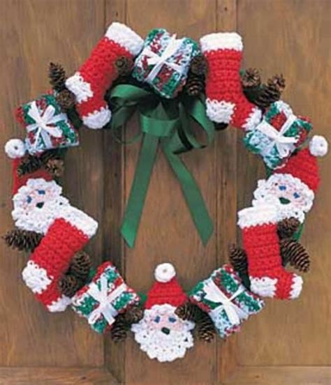 crochet pattern for xmas wreath mini christmas stockings crochet pattern the whoot