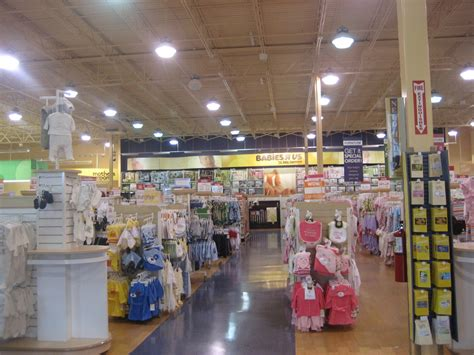 Store Us Baby Registry Big Chain Stores Vs Small Boutique And