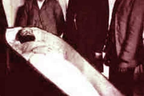 famous people dead bodies the stories behind 5 famous exhumations mental floss