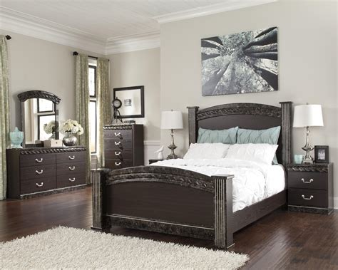 Signature Design Bedroom Sets Signature Design By Vachel Bedroom Household Furniture Bedroom