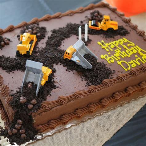 construction 2nd birthday cake best 25 kids construction cake ideas on pinterest