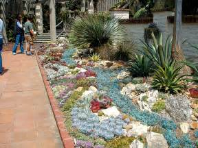 Patios Designs For Small Yards Pacific Horticulture Society A Succulent Oasis At
