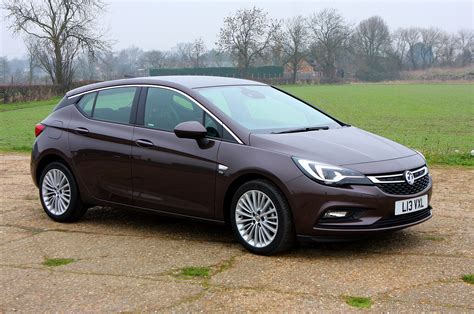 vauxhall astra vauxhall astra hatchback review parkers
