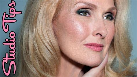 natural makeup tutorial over 50 natural looking makeup for over 50 mugeek vidalondon