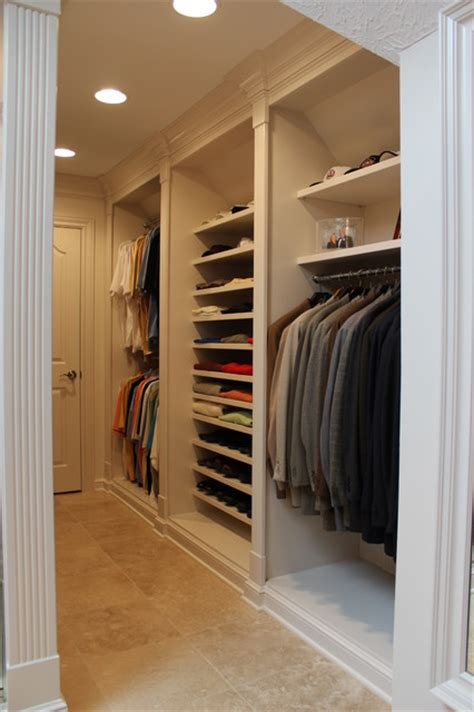 Closets Cleveland by Closets