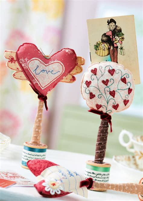 sewing pattern magazine holder vintage heart shaped photo holders free sewing patterns