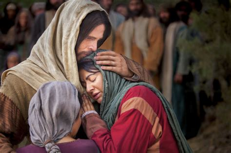 jesus comforts ministries christ with mary and martha