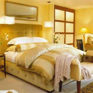 Yellow Decor Ideas by 22 Beautiful Yellow Themed Small Bedroom Designs