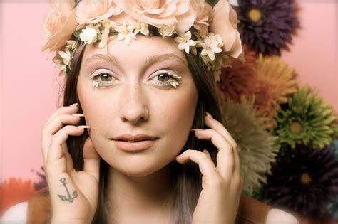 makeup for women in their 70s tutorial 1970 s flower child inspired makeup tutorial 2014 nyx