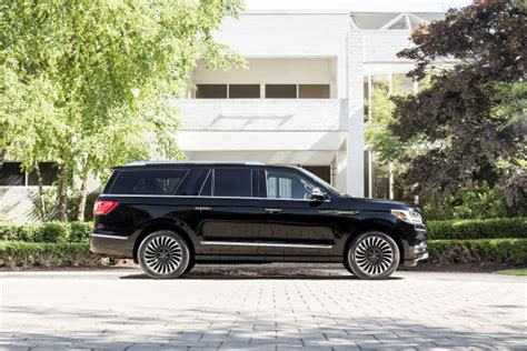 Chalet Designs by 2018 Lincoln Navigator Priced From 73 250