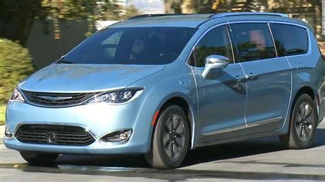 New Chrysler Minivan by Chrysler S New Minivan Of The Future Jan 11 2016