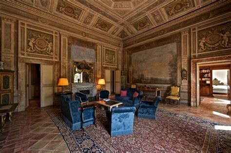 Palazzo Orsini Roma by Palazzo Orsini Palace That Resembles A Colosseum Up For