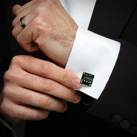Circuit Board Cufflinks   ThinkGeek