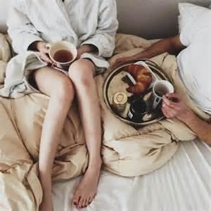 breakfast in bed meals