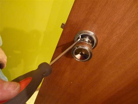 how to remove bedroom door knob d i y d e s i g n how to replace interior doors