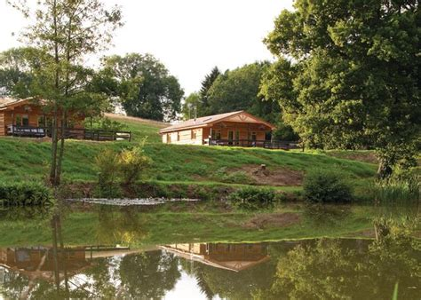 Log Cabins With Tubs New Forest discover lodges log cabin holidays in hshire the