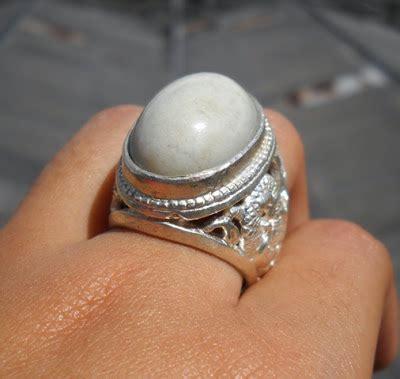 Batu Akik Bacan Ornamen Putih by Kecubung Ungu