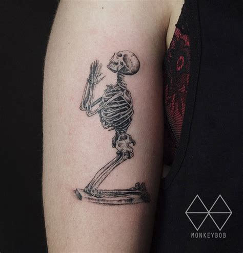 skeleton tattoos william cheselden s praying skeleton best design