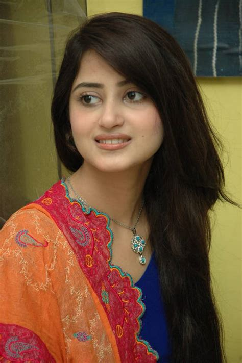 sajal ali without makeup hows she looking without without makeup sajal photos sajal khan biography