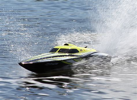 boat hull hobbyking hobbyking hydropro inception brushless powered deep vee